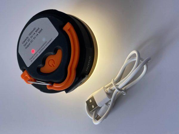 Pakraunamas LED žviestuvas